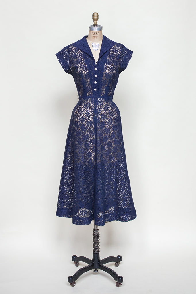 Vintage 1940s lace dress from Velvetyogurt