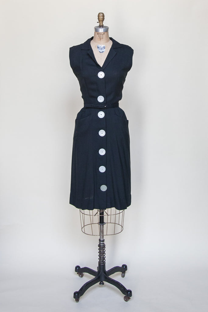 1960s black day dress from Velvetyogurt