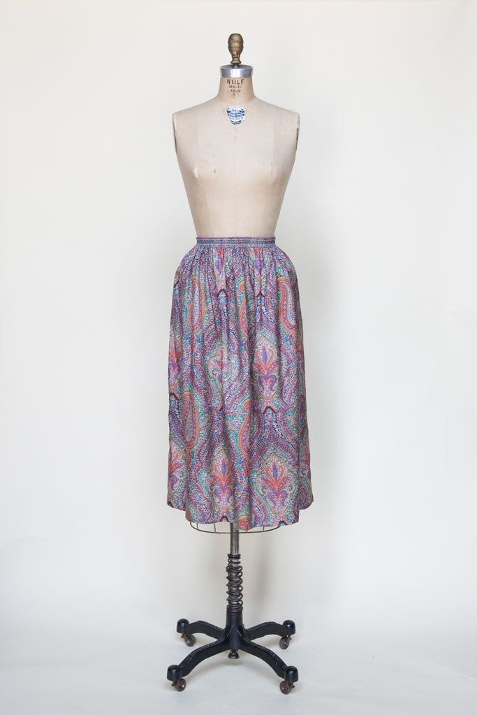 Vintage 1970s paisley skirt from Velvetyogurt