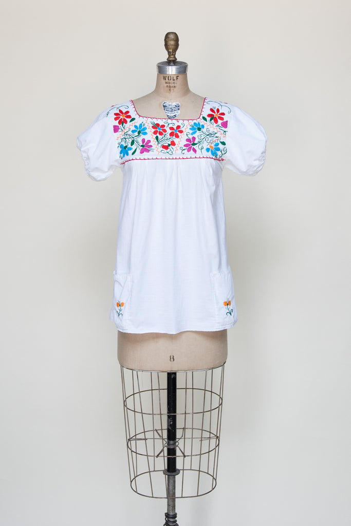 1980s vintage Mexcian blouse from Velvetyogurt