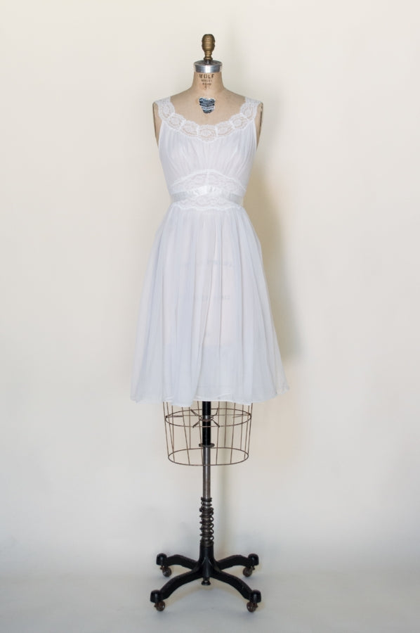 1960s-bridal-peignoir-set%2B%25281%2Bof%2B7%2529.jpg