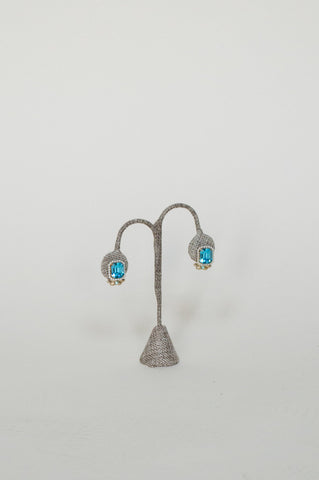 Vintage blue rhinestone earrings from Dalena Vintage