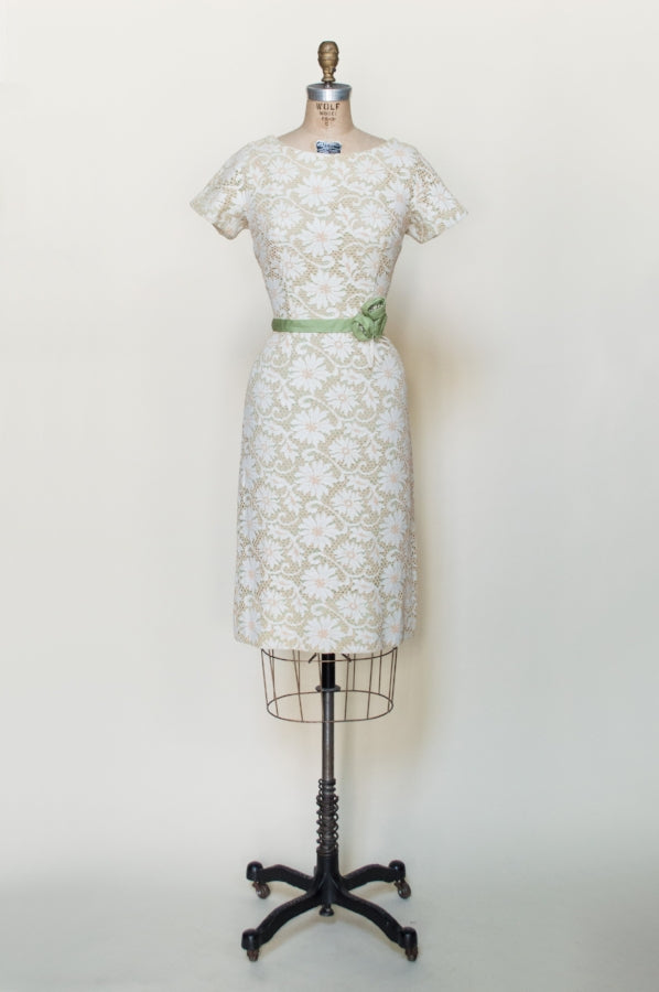 1960s-lace-dress-cream-green%2B%25281%2Bof%2B5%2529.jpg