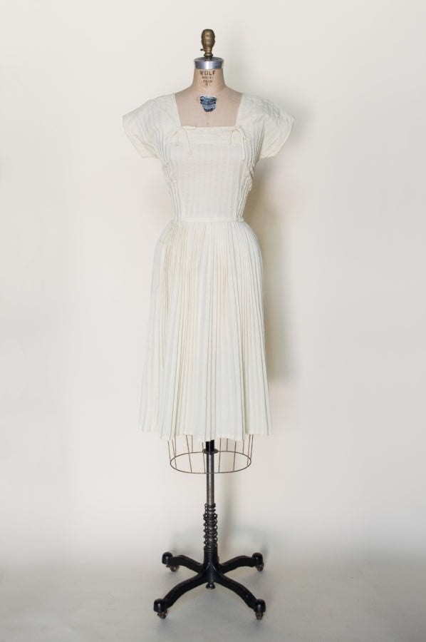 1950s-yellow-cotton-dress%2B%25281%2Bof%2B5%2529.jpg