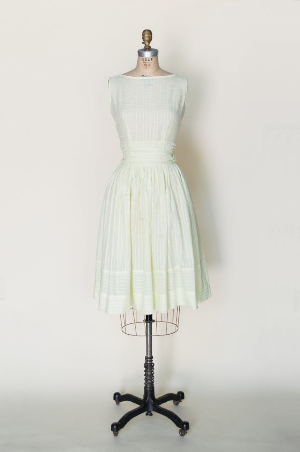 1950s-yellow-sun-dress%2B%25281%2Bof%2B4%2529.jpg
