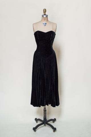 1980s-black-velvet-strapless-dress%2B%25282%2Bof%2B5%2529.jpg