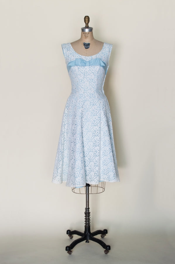 1950s-blue-white-lace-dress%2B%25281%2Bof%2B4%2529.jpg