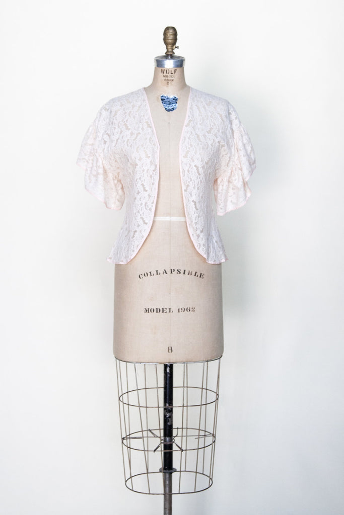 1930s-peach-lace-bed-jacket%2B%25281%2Bof%2B5%2529.jpg