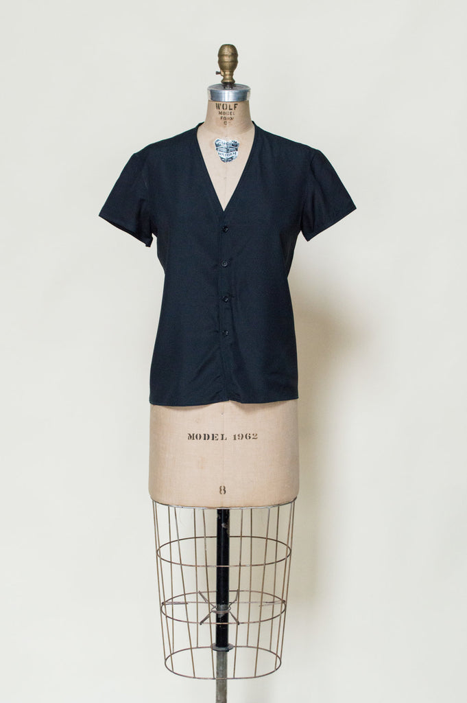vintage-black-button-up-top%2B%25281%2Bof%2B3%2529.jpg
