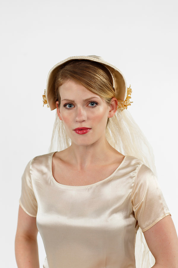 Vintage_Bridal_Crown_Wax_Flowers_03.jpg