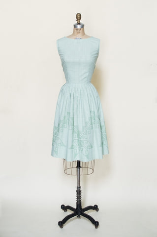 1960s-gingham-embroidered-dress%2B%25281%2Bof%2B4%2529.jpg