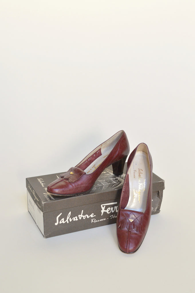 vintage-red-ferragamo-shoes-01.jpg