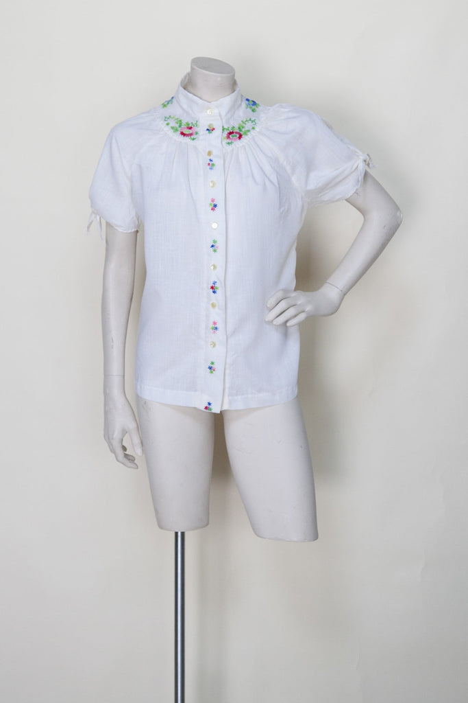 1970s-embroidered-button-up-blouse%2B%25281%2Bof%2B5%2529.jpg