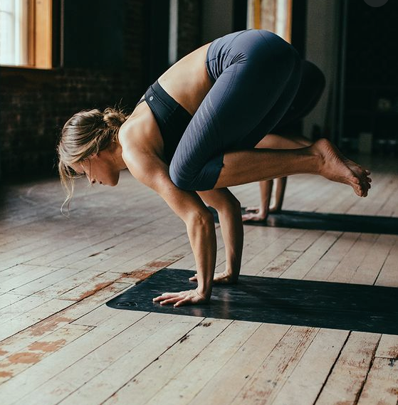 3 Ways to Practice Yoga on the Cheap