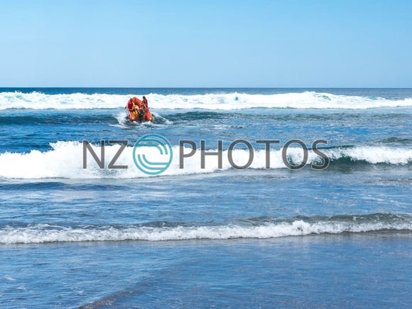 Lifeguard Training In Piha Stock Photo