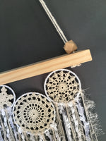 Swing Shelf Doily Cluster Cream