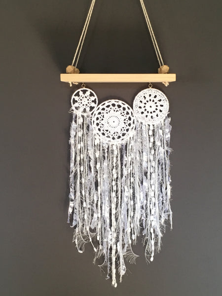 Swing Shelf Doily Cluster