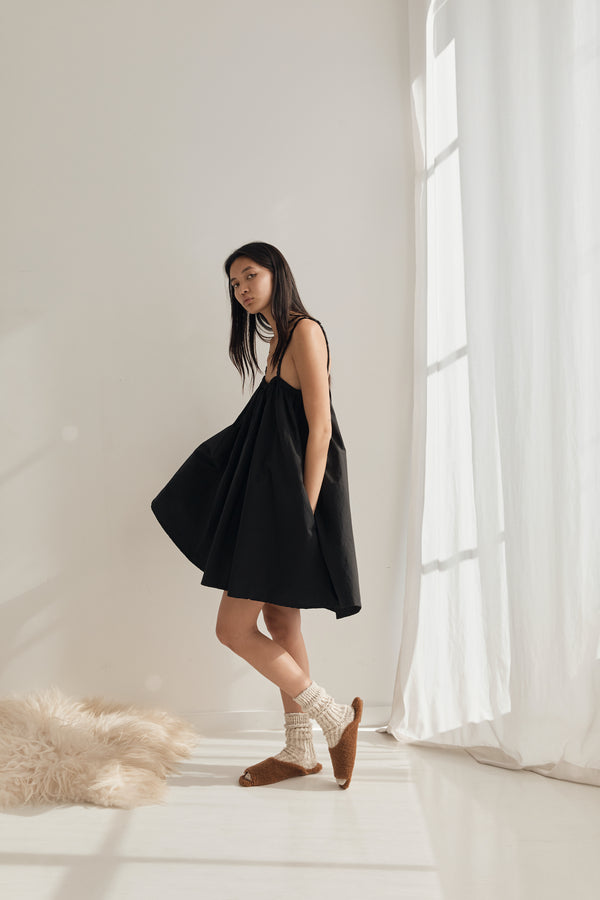 The Skirt Dress - Black