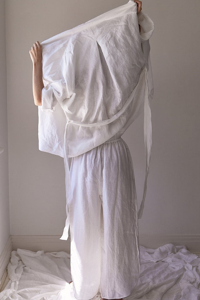 The 01 Loungewear Kimono Wrap Top ONE SIZE - White