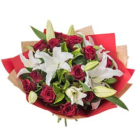 Deck the Halls Wandin Florist Wedding Flowers Red Roses Christmas Lillies Berries Seasonal Foliage Yarra Valley Lilydale