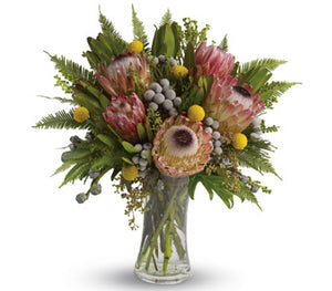 Giraween Wandin Florist Gift Flower In a Vase Wildlowers Natives Glass Vase Yarra Valley lilydale