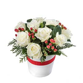 White Christmas Wandin Florist Wedding Flowers Arrangement Yarra Valley Lilydale White Roses Berries Seasonal Foliage in White Ceramic Vase Dandenong Ranges