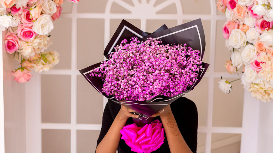 5 factors for consideration when choosing a Flower Delivery Service.