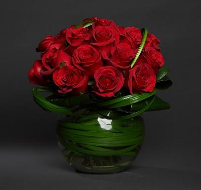 Flowers Red Roses Hearty Premium  Roses in Fish Bowl