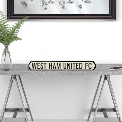West ham united street road sign