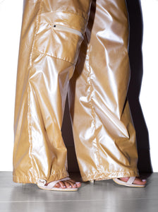 QUANTUM Shell Joggers in Golden Pearl