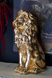 Noble Sitting Gold Lion Statue