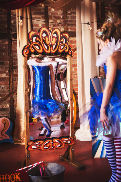 Fairground style distorting mirror for hire in Essex, Lonon, Hertfordshire. Ideal for photoshoot, event or for wedding to entertain the guest | Rock The Day Essex | prop hire | party props
