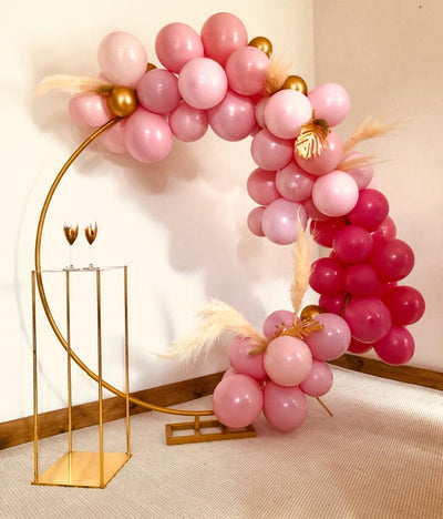 Hen party selfie station for hire | Balloon garland hire | Party styling Essex