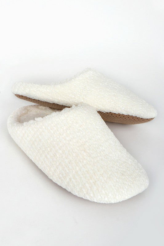 Chenille Slippers ~ Ivory