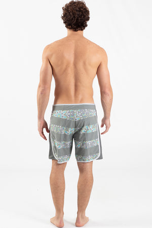 "Jailed Mandala 17"" Scalloped Hem Boardshort - Wavelife"