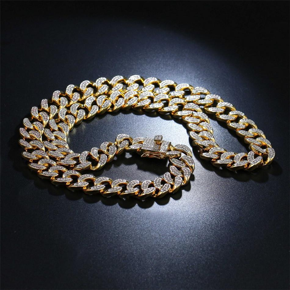 World Shine Chain Gold / 20 inch Iced Out Premium Cuban Chain Gold / Diamond 13 mm