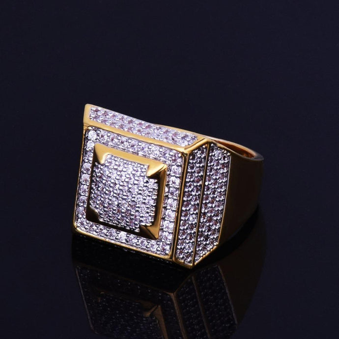 World Shine Ring 7 / Gold Iced Out Classic Ring Gold / Diamond