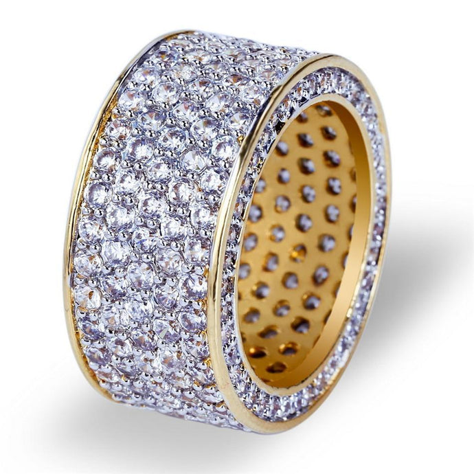 World Shine Ring 7 / Gold Iced Out Round Gold / Diamond Ring