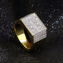 World Shine Ring Iced Out Square Ring Gold / Diamond