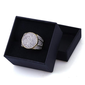 World Shine Ring Iced Out XL Round Ring Gold / Diamond