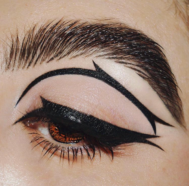 Cholas x Chulas Model Wearing Ride-Or-Die Eyeliner Kit