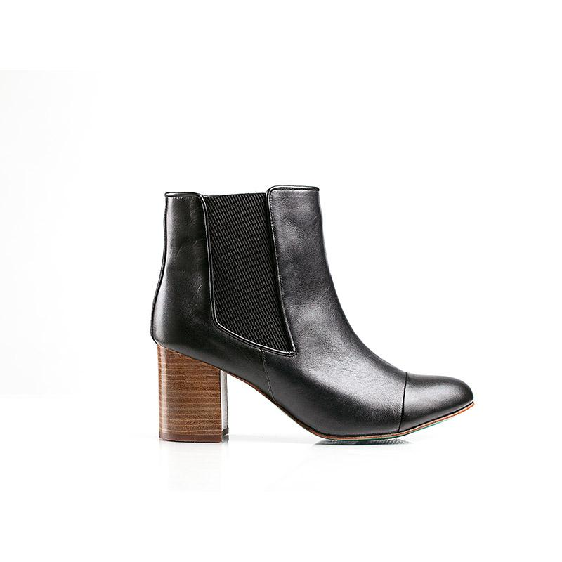 BELLA CHELSEA BOOT (BLACK) - Wide Fit-ARABEL MANNERS-HOUSE of BOTTA
