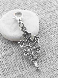 silver tone maple leaf stitch marker for crochet and knitting
