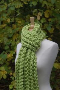 chunky monterey scarf held double around the neck