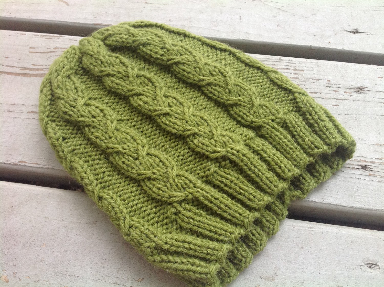 unisex green cable knit hat knitting pattern ... 5afa76d8c31