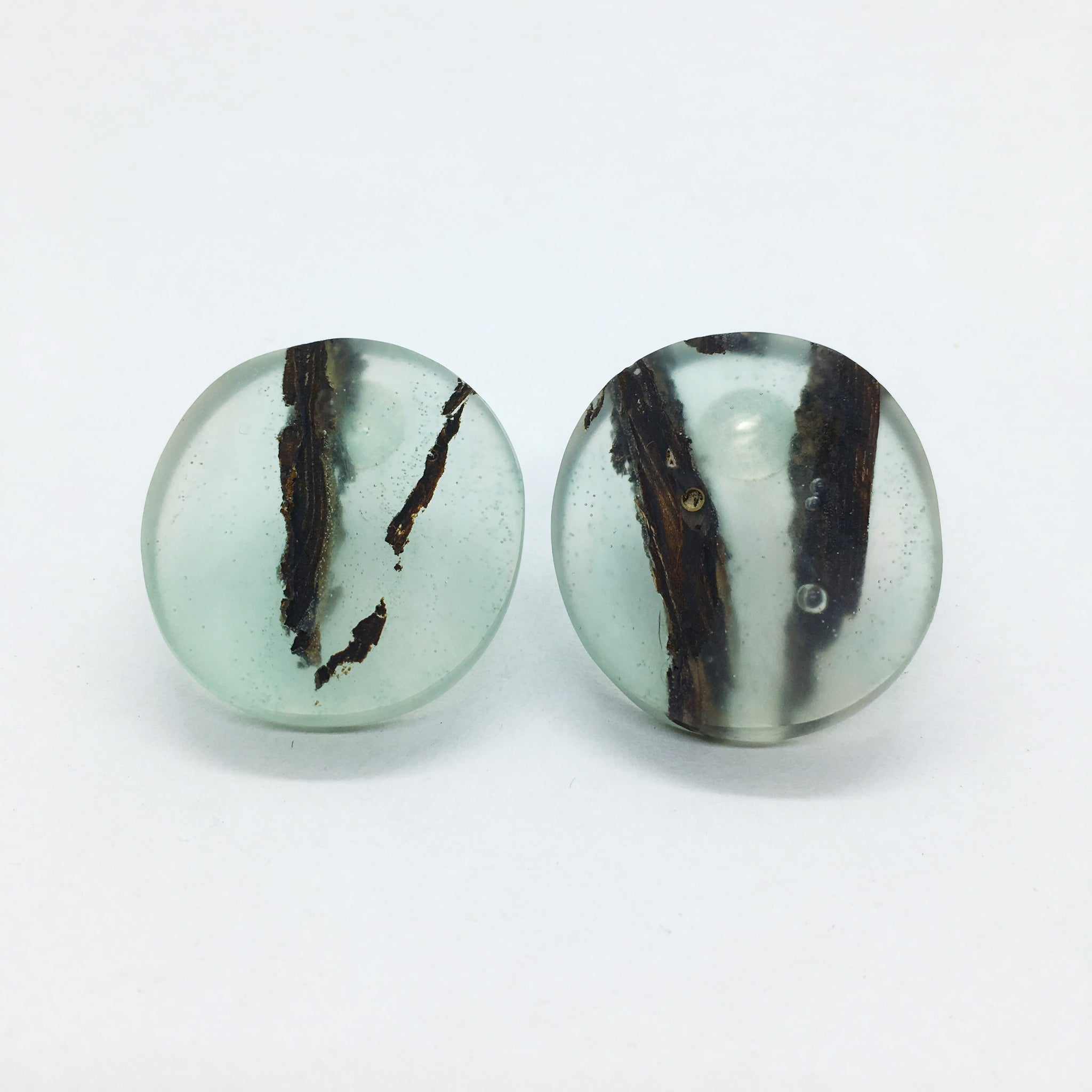 Silver and epoxy resin earrings MALKO - Sky blue Oak | Flamingolandia