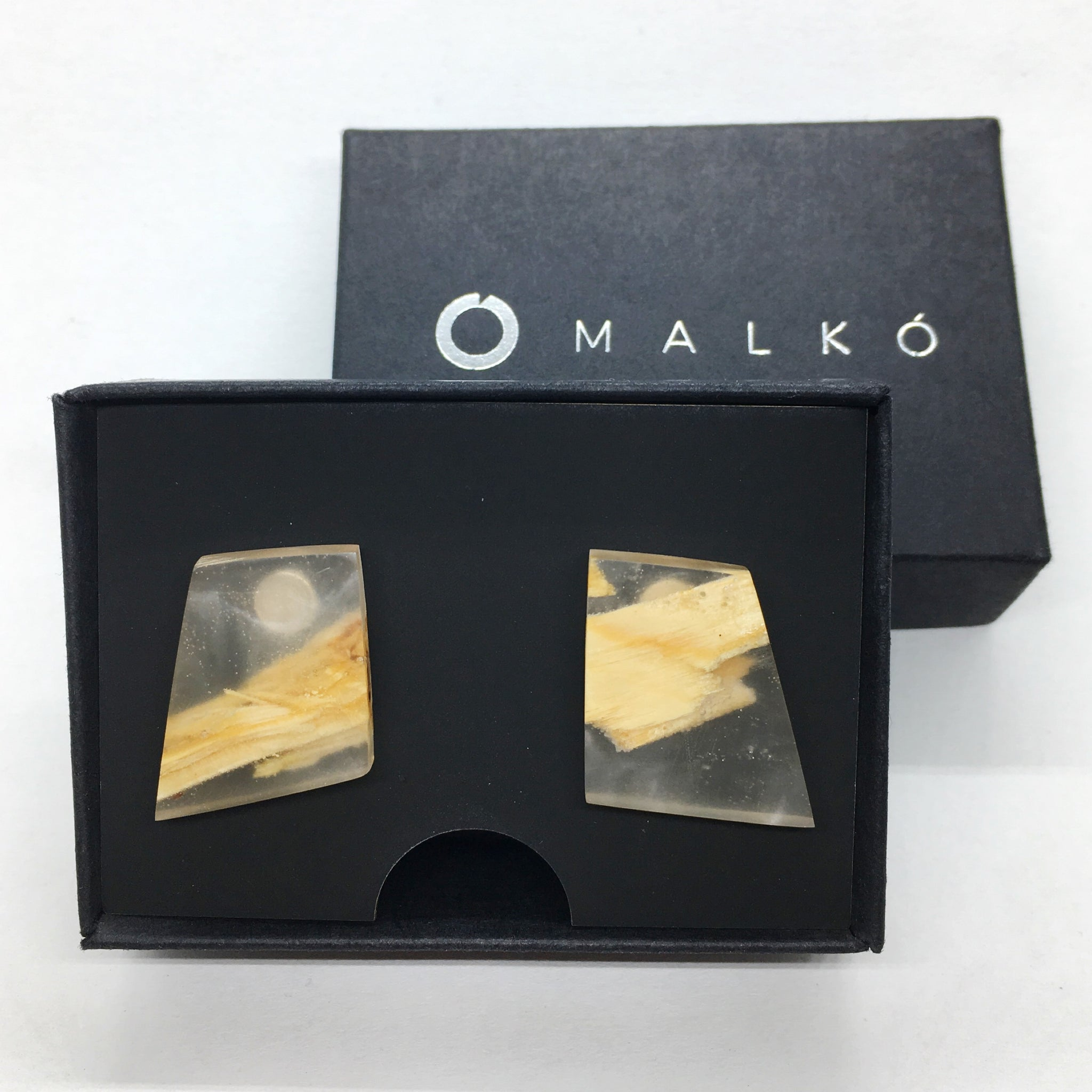 Silver and epoxy resin earrings MALKO -Spruce bark | Flamingolandia