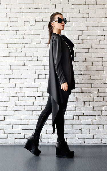 Asymmetric black tunic top Zipped collar | META series | Flamingolandia
