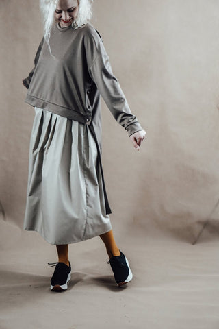 Light grey loose oversized assymetric sweater InModum | Flamingolandia