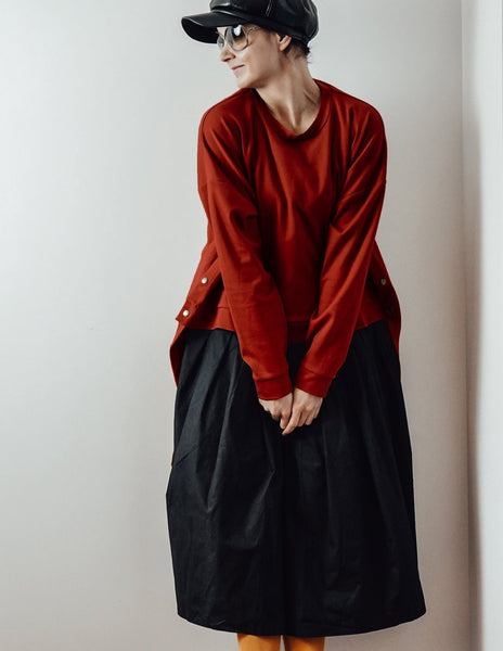 Brick red loose oversized assymetric sweater InModum | Flamingolandia